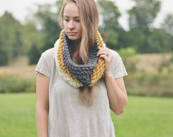 The Novi | Chunky cowl. Loop cowl. Loop scarf. Chunky scarf.