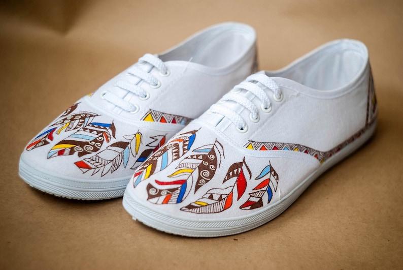 26c7c24094d8b Ręcznie rysowane płótno buty buty fajne trampki pióro | Etsy
