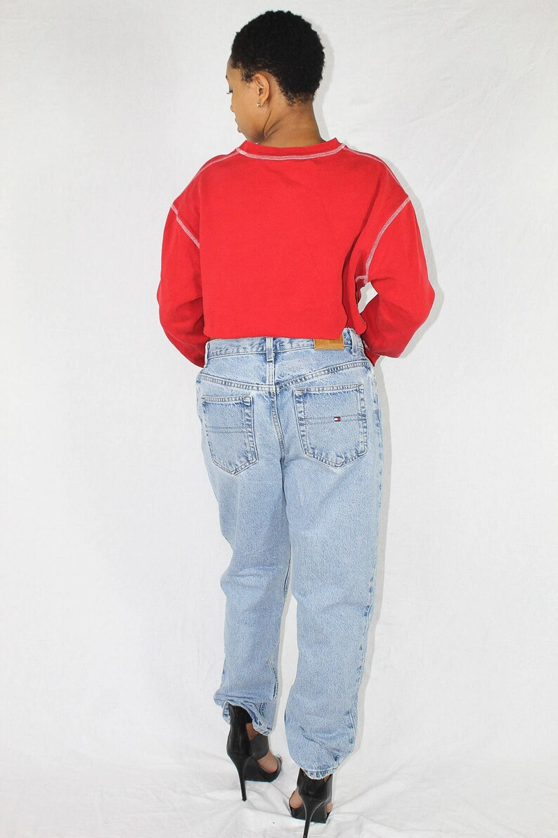 7a32a1e8494 Vintage Tommy Hilfiger Cropped Sweatshirt Size XL Red Crop
