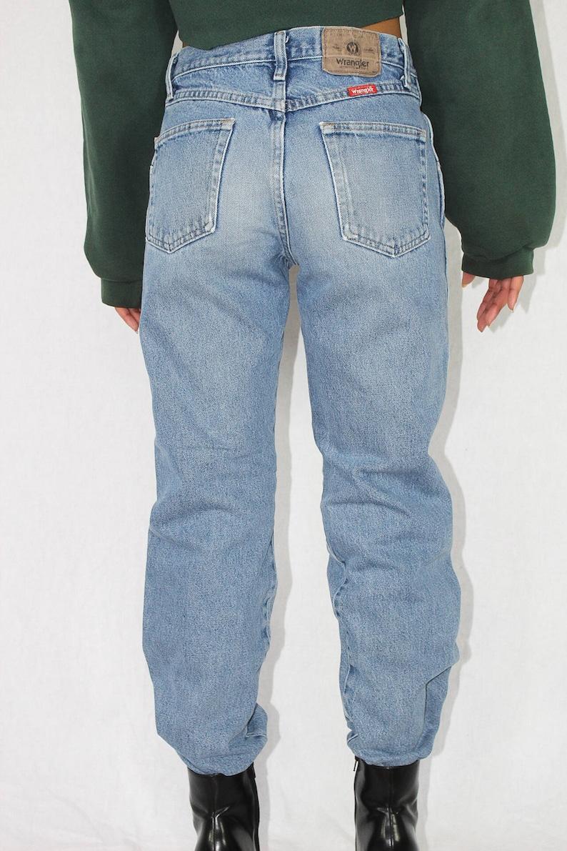 3c7a4dd77b5 Vintage Wrangler Jeans Size 30 Women s Medium Wash High