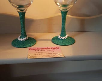 Deorated & personalised wine glass. Glitter wine glass. Hand decorated. Personalised and suitable for any occasion.