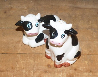 Salt and Pepper Shakers Cows - 1493