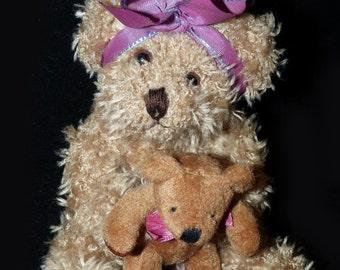 Russ Berrie Teddybear Marmie holding Teddy - 605