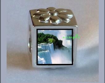 FERVENT LOVE Travel Niagara Falls Heart Photo Charm Beads