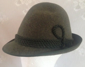529c4dbedad Lodenhut Vintage 80 s Bavarian Alpine Hat    100% Loden Wool   Green  Women s Size (estimated) Medium