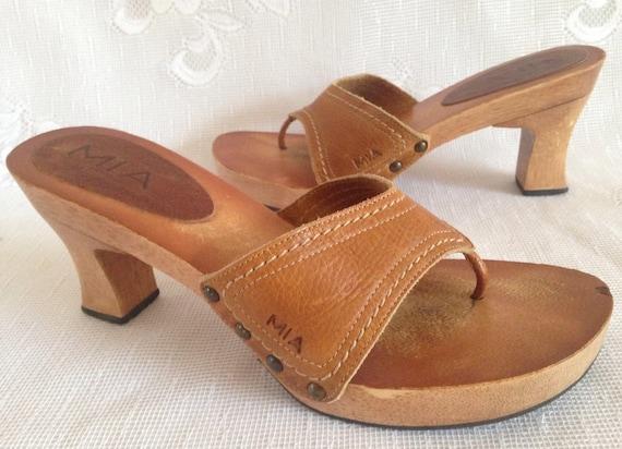 c4a3cf7e53ca Vintage MIA Brazil Light Brown Leather Strap Thong Sandals