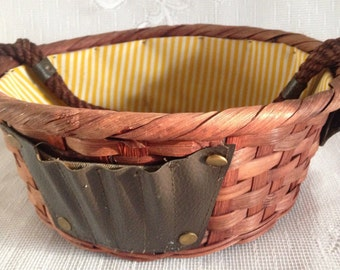 """Rare Vintage Weaved Nut Basket Lined Woven Round 9"""" Double Handled Wicker / Made in Japan"""