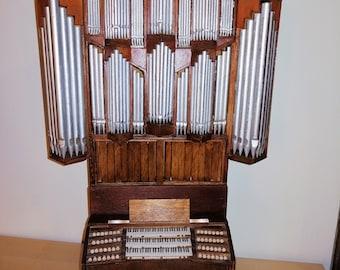 Miniature organ model - playing table and pipe brochure handmade - illuminated