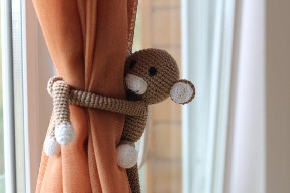 Monkey curtain tie back ♥ | Crochet curtains, Crochet hair clips ... | 380x570