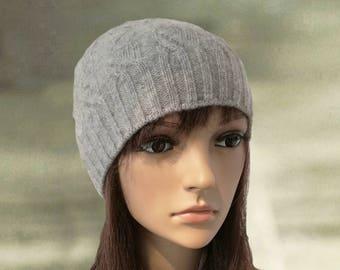076cc20bf24 Gray wool beanie