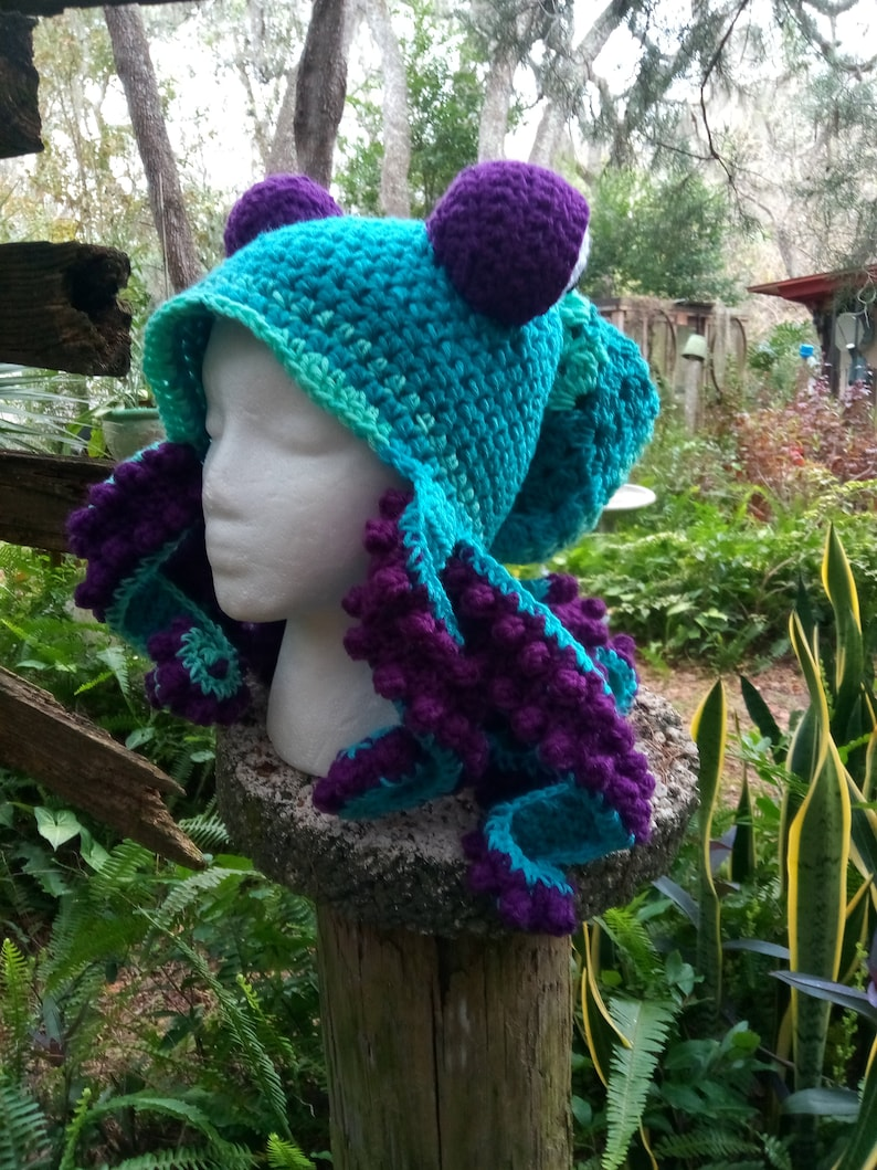 b81a150a6 Octopus Tentacle Hat, Octopus Turquoise and Amethyst Colors, Slouchy  Octopus with Tentacles, Kraken Cosplay Beanie