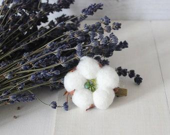 Cotton flower hair clip White floral hair clip Bridal hair clip Flower hair clip Bridesmaid hair piece Bridal hair piece Boho hair clip