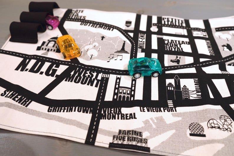 mini portable play mat Montreal city car circuit keep kids image 0