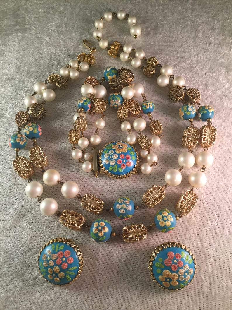 Lovely Vintage Hob\u00e9 Parure of Hand Painted Turquoise BeadsFaux Pearls Necklace Bracelet and Earrings Superb Vintage Condition 9121433