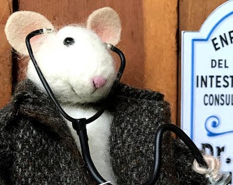 Needle Felted Mouse: Doctor Mouse