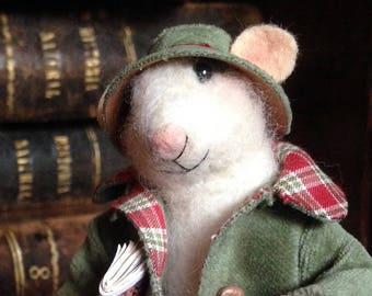 Needle Felted Mouse: Theodore, the traveler