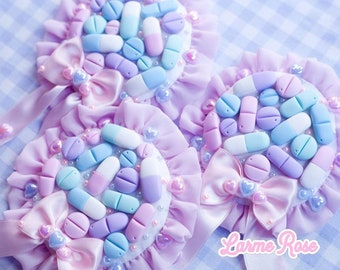 Pill rosette brooch / hair accessory menhera