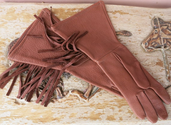 Western Classic Fringed Leather Gauntlet Gloves - image 1