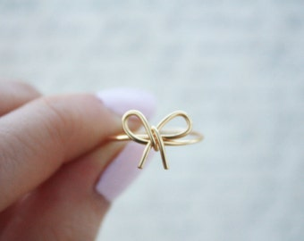 Gold Bow Ring// Bow ring, bow tie ring, Wire Bow ring, Thin gold ring, Dainty Ring,Wire Wrapped,Brass,Elegant Ring,Tied Ring,Bridesmaid Gift