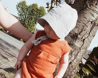 Brimmed baby bonnet black & white stripe linen