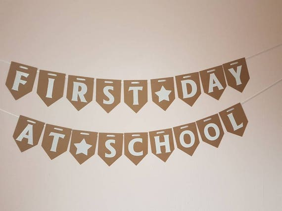 SCHOOL CLASSROOM ALPHABET BANNER MULTI COLOUR QUALITY CARD BUNTING 26 LETTERS