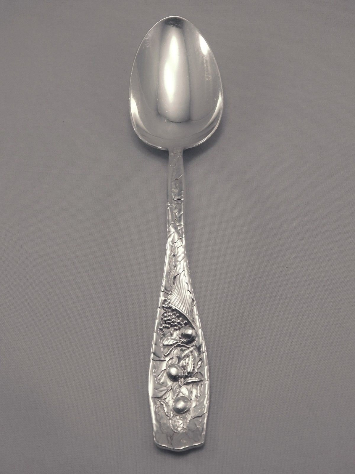 "King Richard by Towle Sterling Silver Vegetable Serving Spoon 8 1//2/"" Rare!"