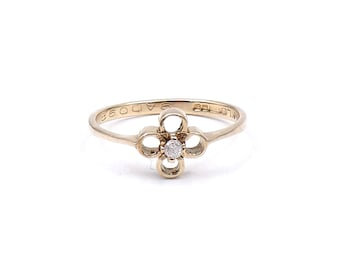 Vintage diamond flower ring, a gold flower ring with a diamond, delicate fine gold ring, ideal small promise ring.