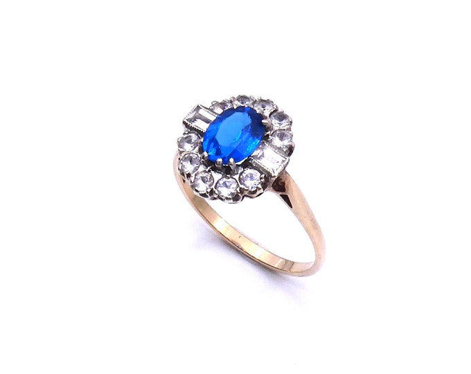 Vintage quartz ring with a blue oval gemstone in an art deco style, a vintage  blue gem ring.