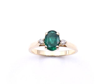 Vintage Tourmaline and diamond ring set in 14kt gold, a vintage green and gold ring.
