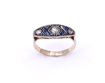Art Deco sapphire and diamond ring set in 18kt gold, an unusual sapphire ring.