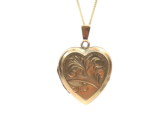 Vintage 9kt gold heart locket, engraving detail, ideal gold locket for wearing every day.