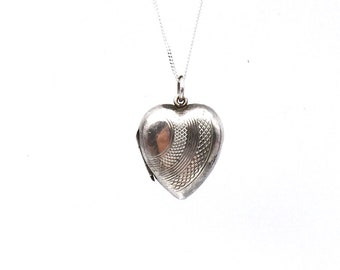 Vintage silver locket, a silver heart vintage locket, with an engraved pattern on fine silver chain, ideal vintage gift.
