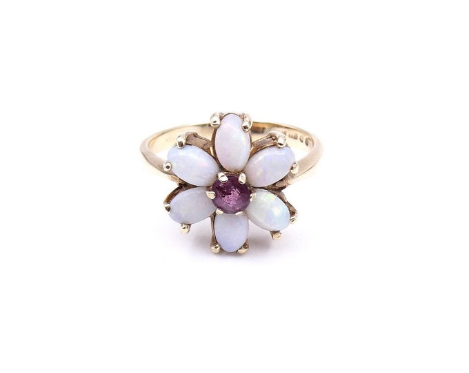 Vintage flower ring, a daisy ring with opals and an amethyst set in 9kt gold, a lovely opal gold ring.