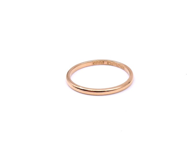 Vintage fine 22ct gold band, ideal vintage wedding band, vintage high carat gold ring, a fine gold band.