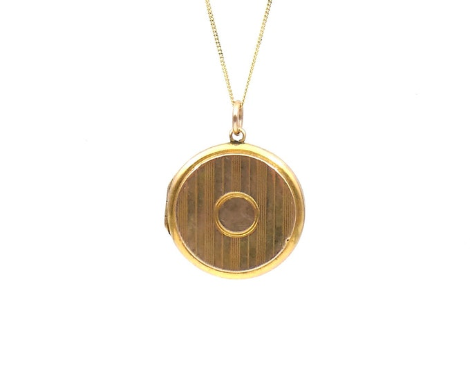 Antique gold locket, art deco style round locket with a pin stripe pattern, lovely vintage engraved locket.