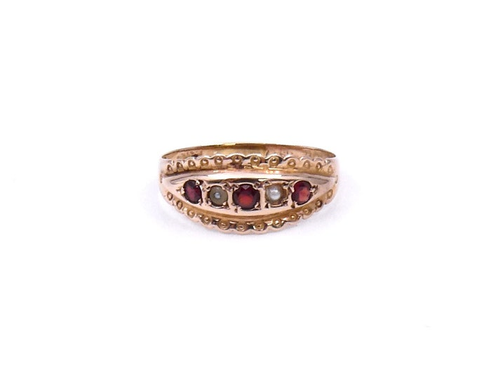 Vintage garnet pearl gypsy ring in 9kt gold, vintage gypsy ring with ornate detailing.