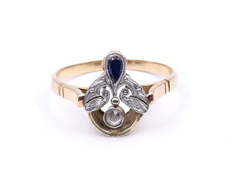 Antique sapphire ring set in 18kt gold, with an unusual design, a rare Art Deco sapphire ring, a treasure.