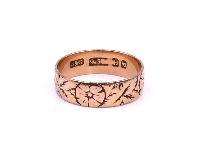 Antique engraved rose gold 9kt band, rose gold band with floral motif engraving surrounding the ring, beautiful victorian rose ring.
