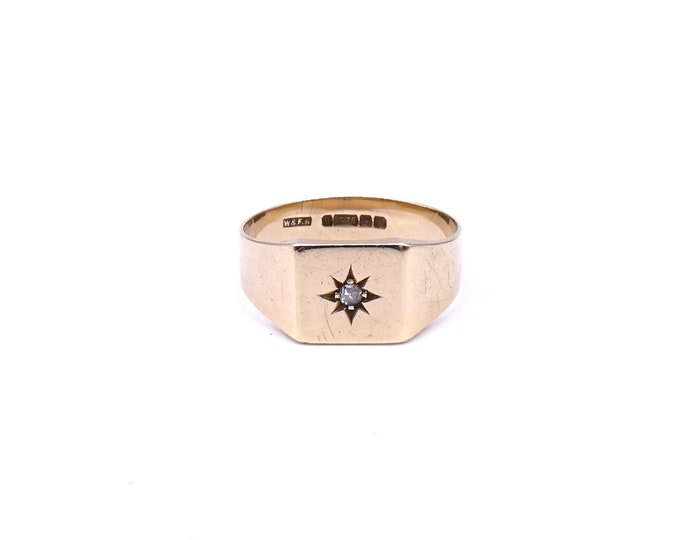 Vintage gold square signet ring with a star set diamond, a large size, a man's gold signet ring.