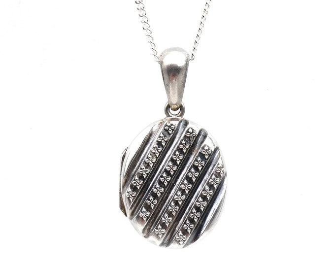 Antique silver locket, engraved decorative locket in sterling silver form the victorian England