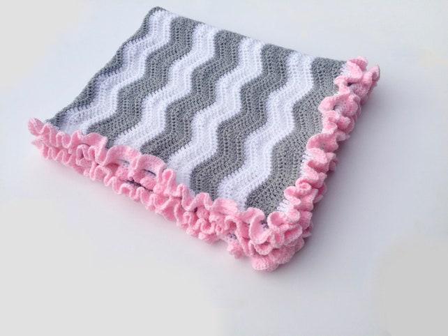 Chevron-häkeln-Baby-Decke mit Rüschen Rand   Etsy
