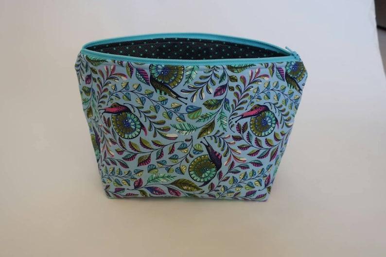 medium zipper bag image 0