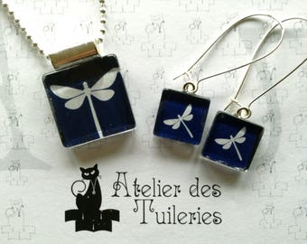 Set necklace and earrings, dragonfly, blue/white pattern