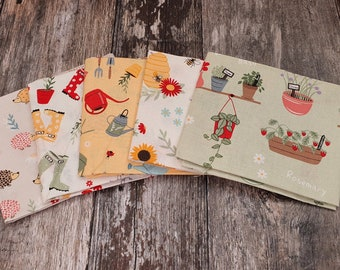 In The Garden 5 Piece Fabric Bundle - Sewing - English Paper Piecing - Patchwork - Quilting - Slow Stitching