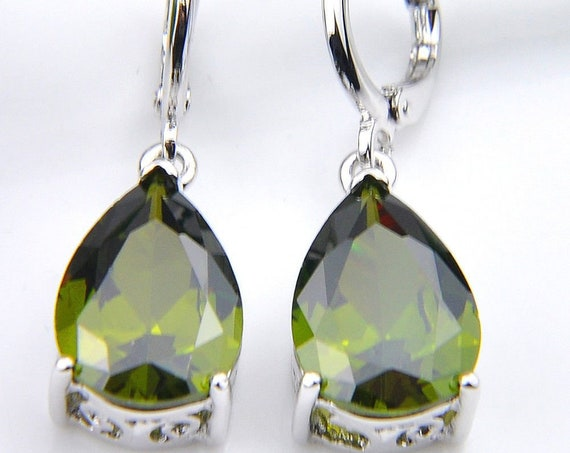 Lovely 18 ct white gold plated peridot sapphire crystal drop earrings