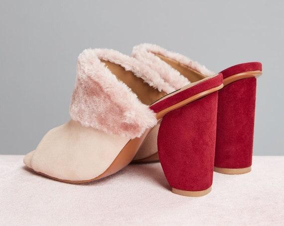 Fabulous new unworn Jaggar The Label Faux fur pink moon block heel mules heels  37   Aus 6.5