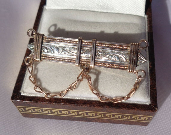 Beautiful antique Art Nouveau rolled gold silver etched brooch