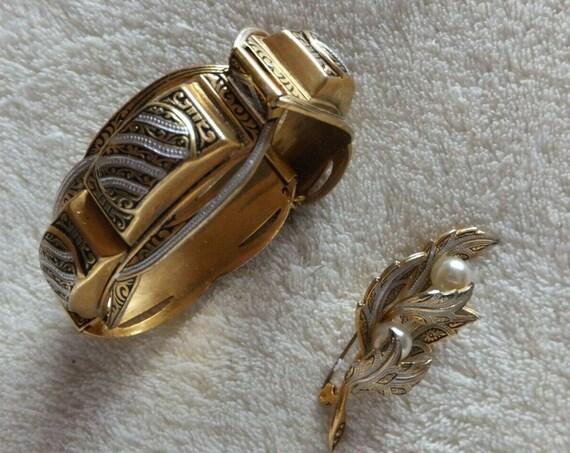 Beautiful Vintage  Toledo Damascene panel bracelet with safety chain & Brooch