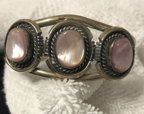 Michael Perry Navajo Native American Sterling Silver pink mother of pearl cuff bangle bracelet