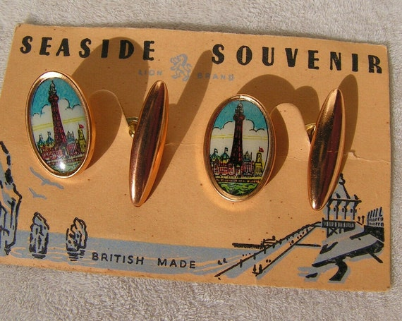 Wonderful Vintage 1940s early painted seaside cufflinks still on original card